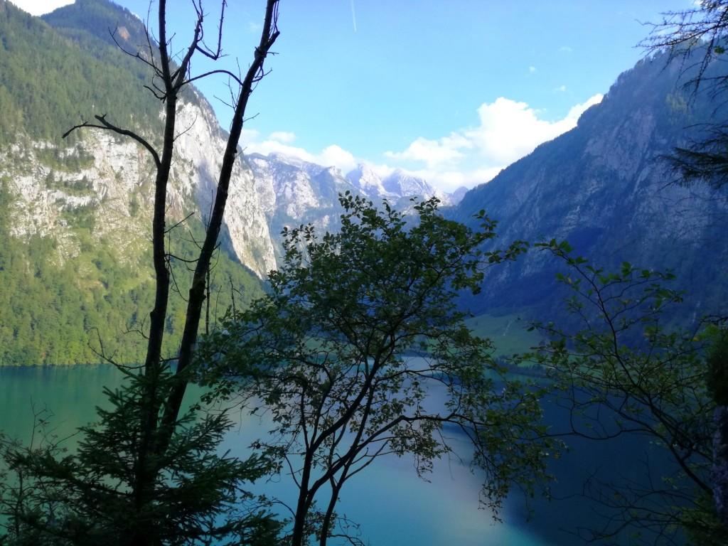 Blick zurück Richtung Obersee, im Hintergrund die Teufelshörner in den Wolken