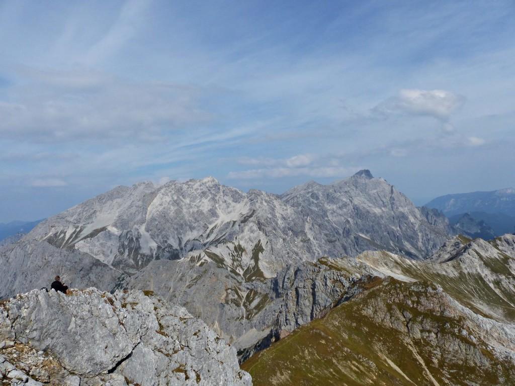 Blick vom Seehorngipfel Richtung Kammerlinghorn und Abstiegsgrat © Ann-Kathrin Helbig