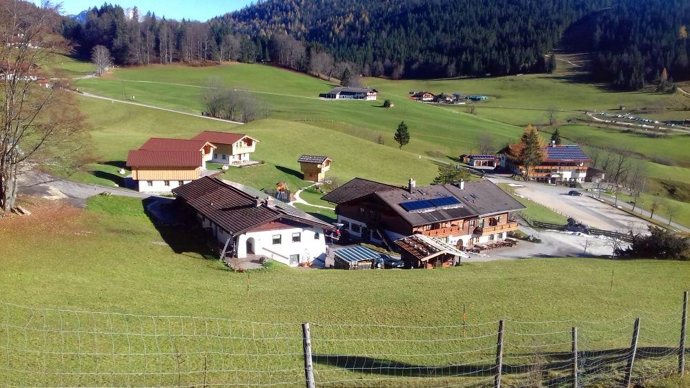 Die Alm-Chalets Ettlerlehen und der Gasthof Nutzkaser am Hochschwarzeck | Ramsau