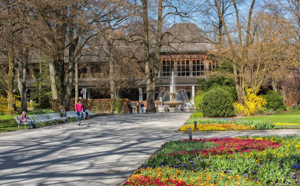 Der Königliche Kurgarten in der Alpenstadt Bad Reichenhall