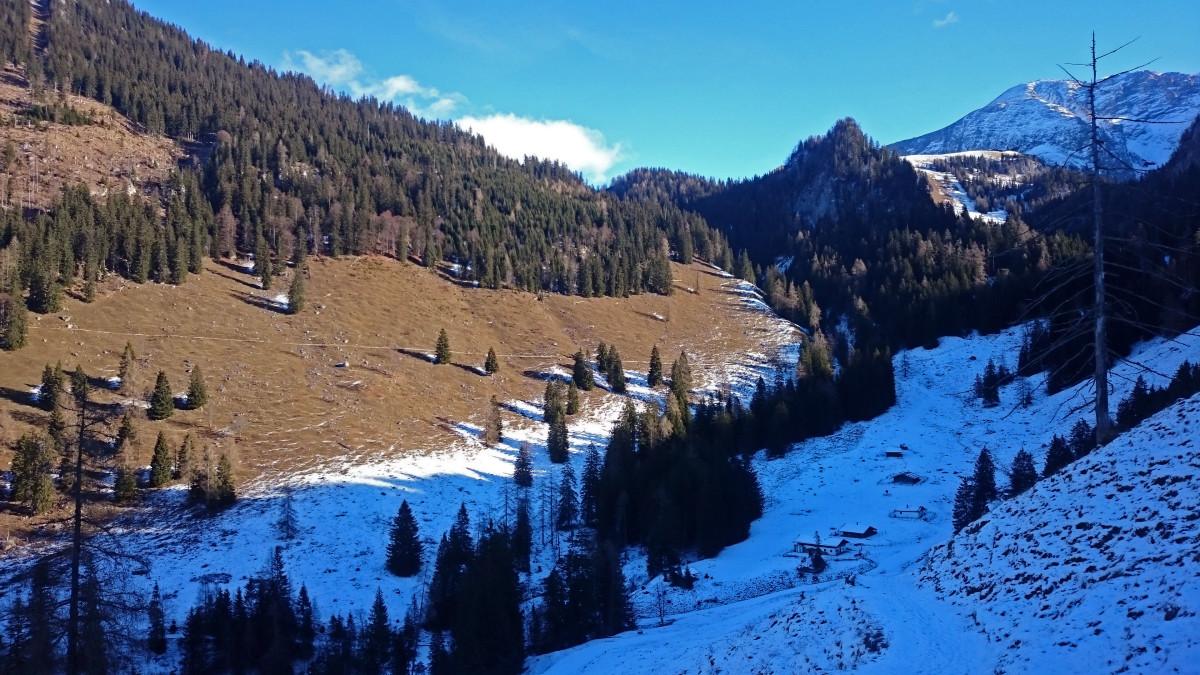 Schöne Licht-Schatten-Grenze: Die Königsbachalm
