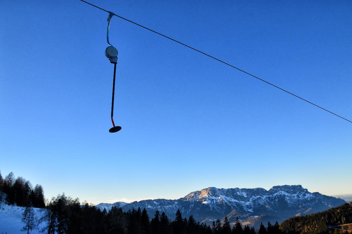 Ausblick vom Familien-Tellerlift am Rossfeld zum Untersberg