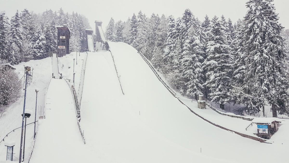 Die Skisprung-Schanze am Kälberstein