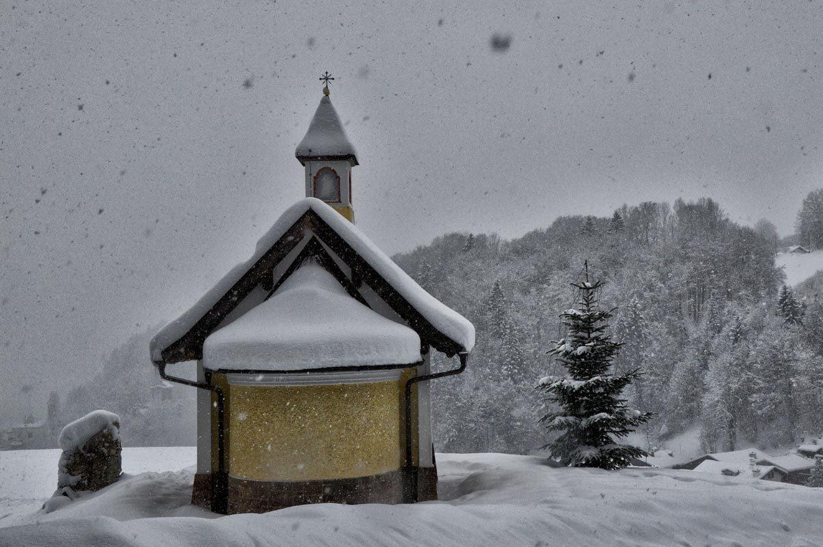 Die Kirchleitenkapelle auf dem Ponnzenzenbichl