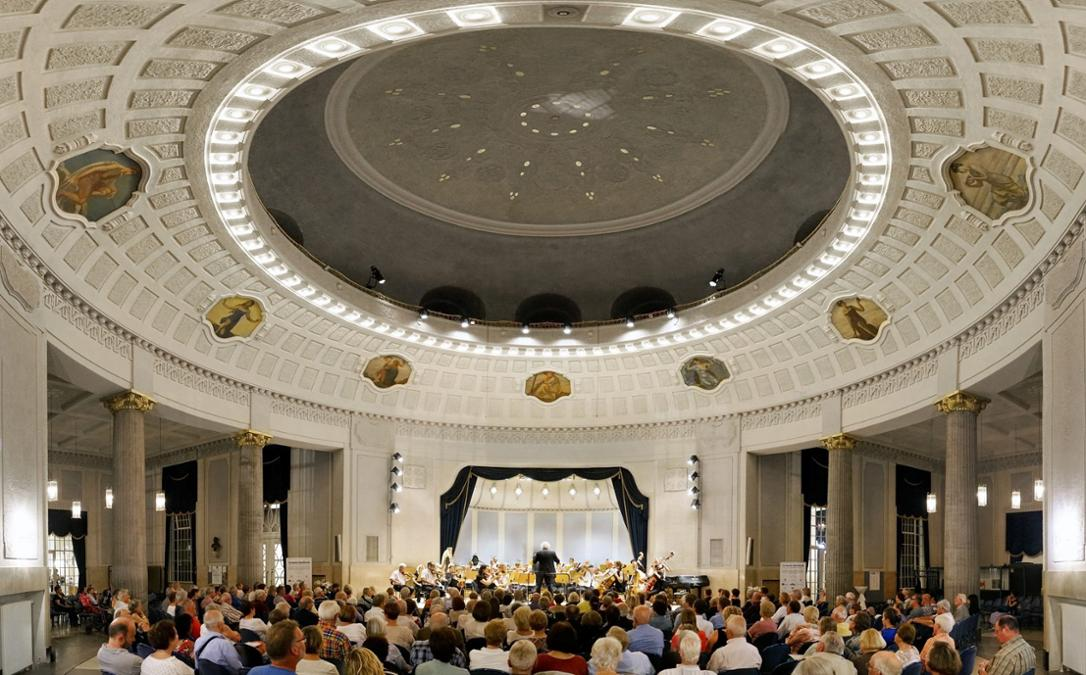 Kurmusik in der Konzertrotunde Bad Reichenhall