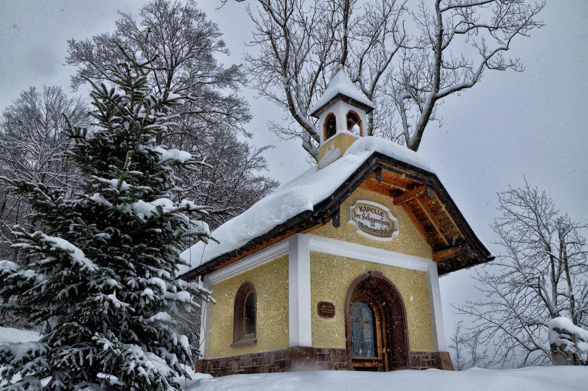 Die Kapelle am Weinfeld
