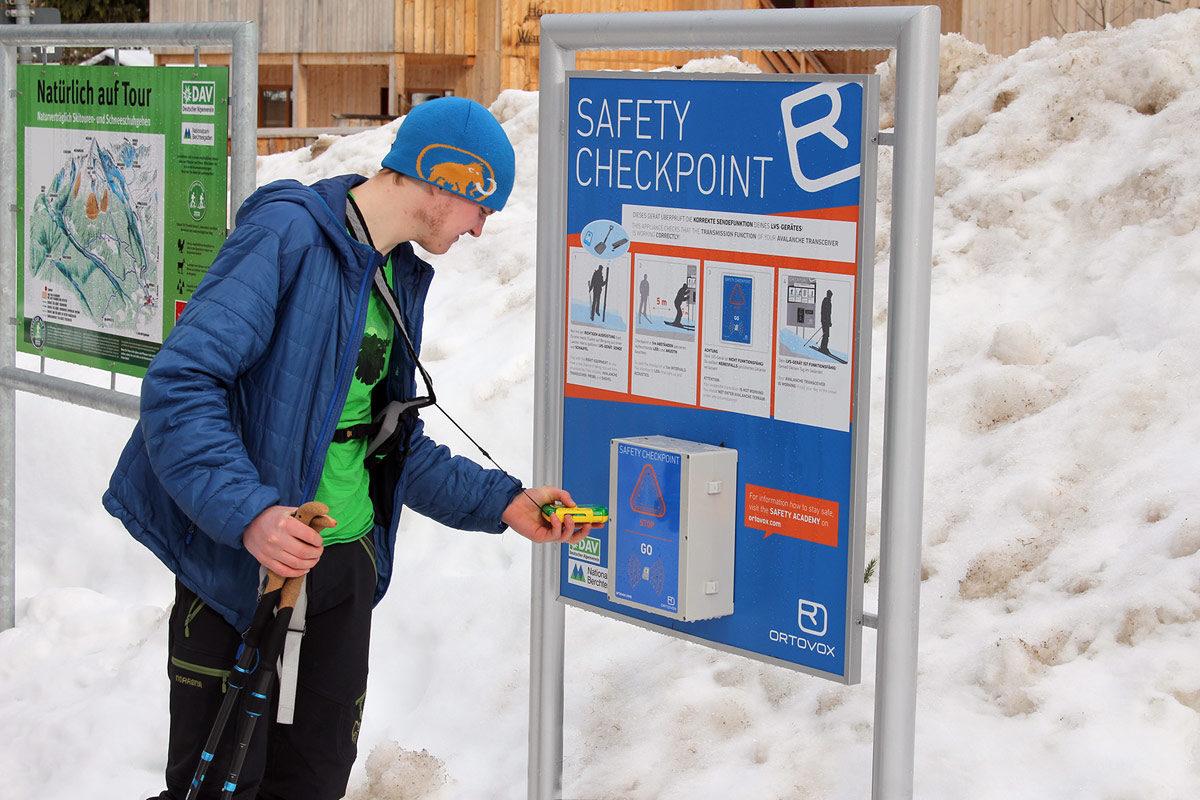 Sicherheits-Check am Eingang zum Nationalpark Berchtesgaden