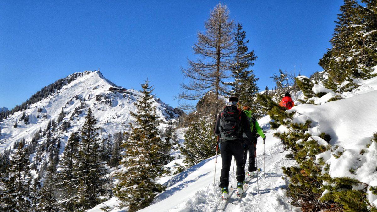 Skitourengeher auf derm Weg zum Jenner