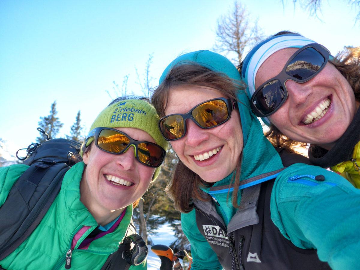 """Ohne """"Selfie"""" geht gar nix: Steffi Graßl, Esther Baum und Nina  Schlesener (v.l.n.r.)"""