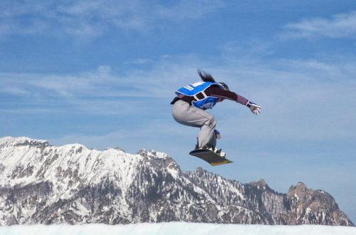 Snowboarden am Götschen mit Blick zur Schlafenden Hexe