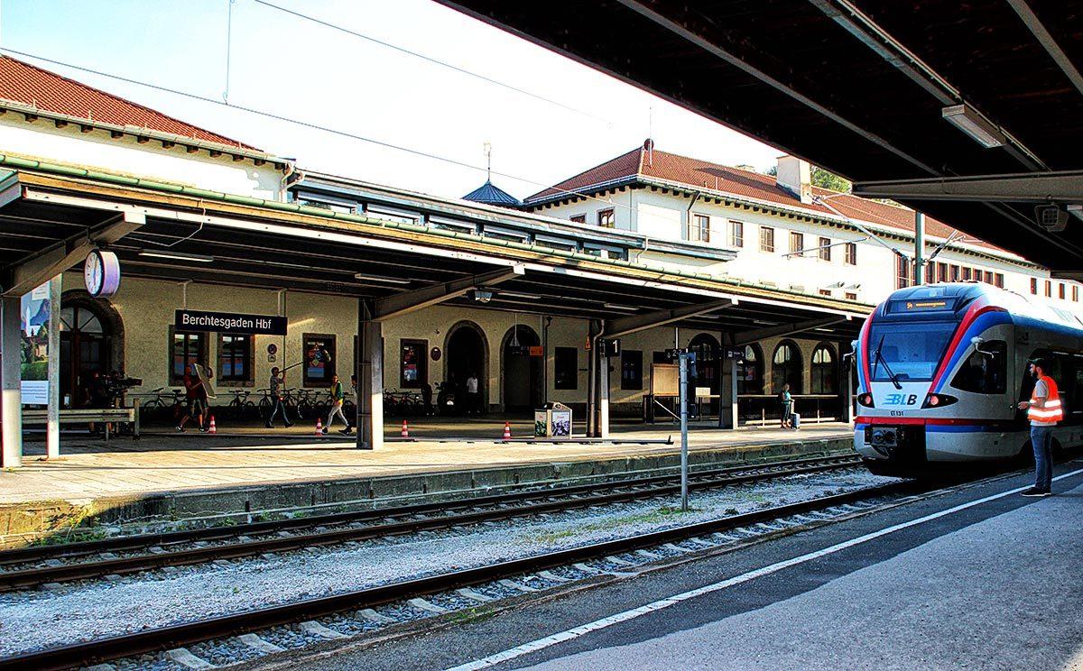 Dreharbeiten für Lena Lorenz am Hauptbahnhof Berchtesgaden