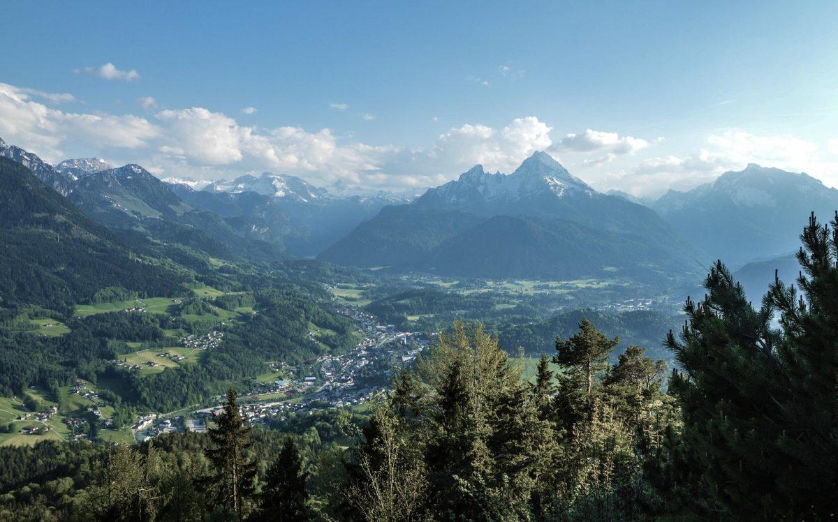 Blick von der Kneifelspitze hinüber zum Watzmann