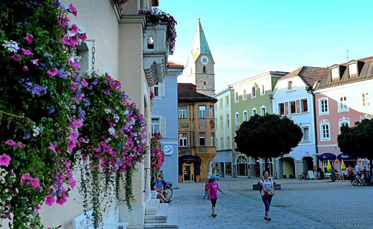 Die Alpenstadt Bad Reichenhall blüht auf
