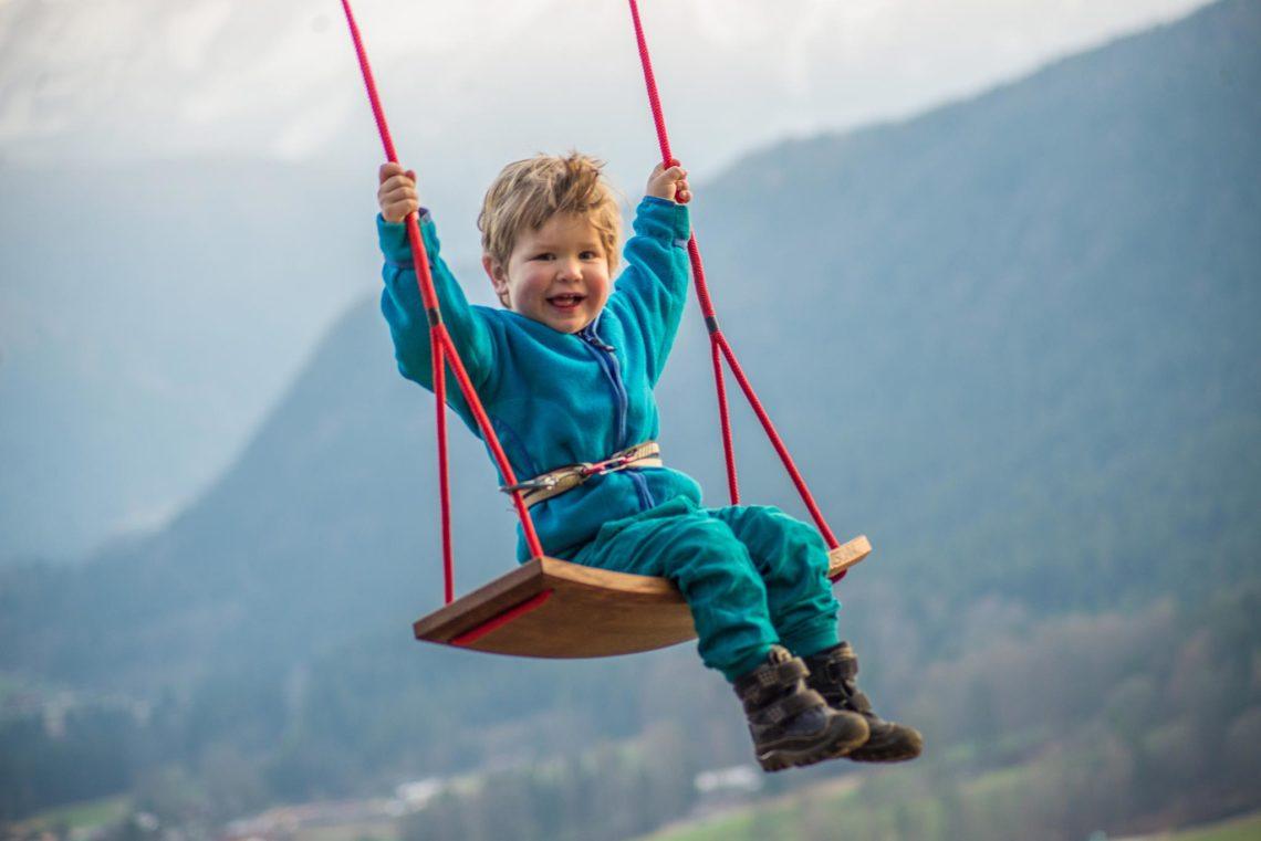 Hutschn: Hochwertige Schaukeln für Groß und Klein