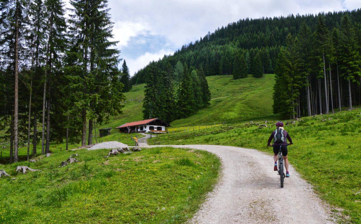 Mit dem Mountainbike zur unteren Ahornalm