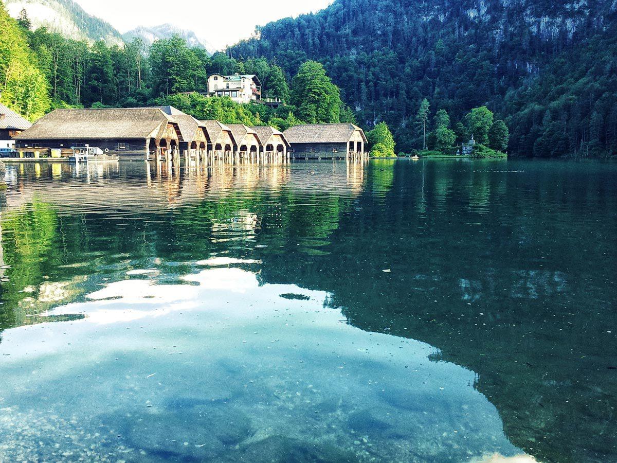 Die Bootswerften Königssee am Morgen