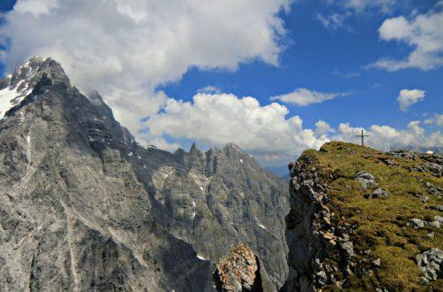 Gipfel Hirschwieskopf mit Watzmann-Südspitze © Ann-Kathrin Helbig