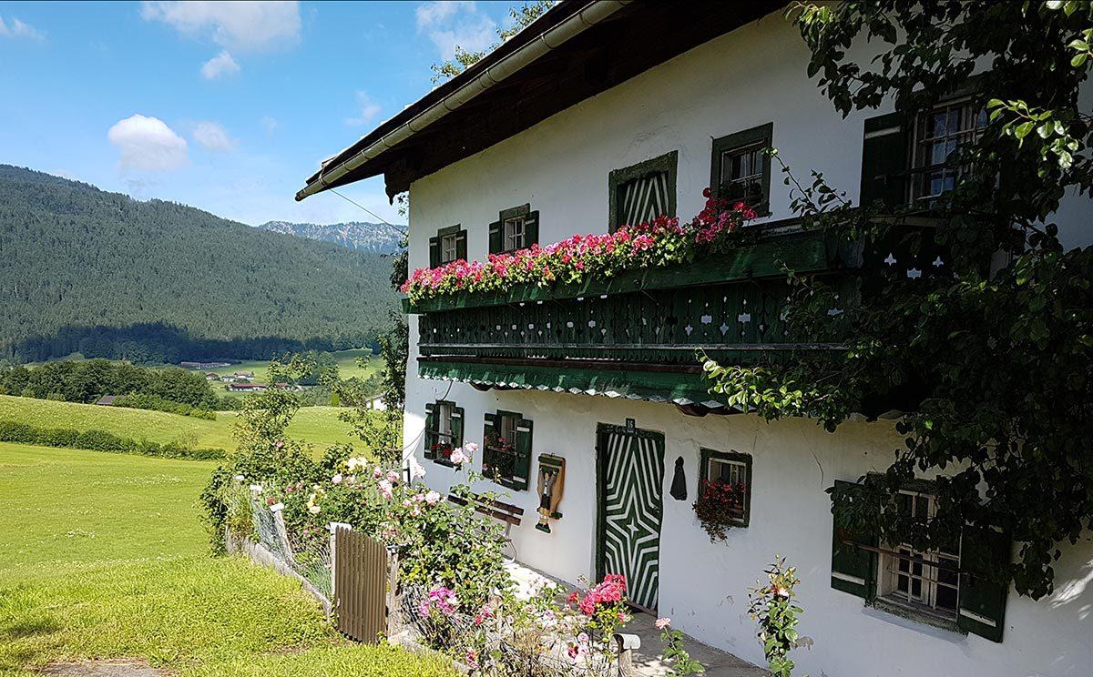Ein denkmalgeschütztes Bauernhaus im Hochgartdörfl