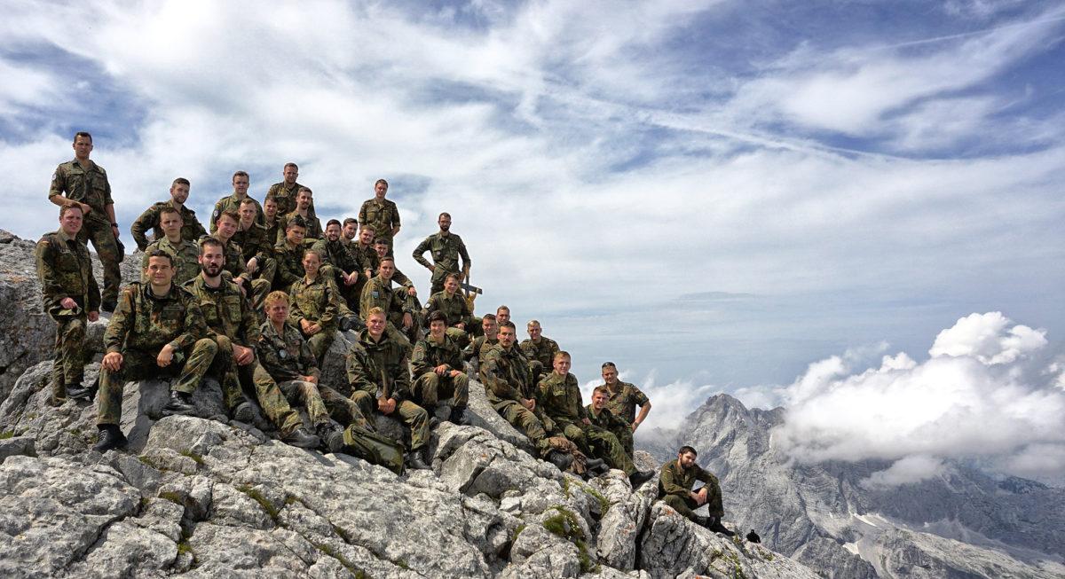 Die angehenden Gebirgsjäger-Offiziere auf dem Watzmann-Hocheck