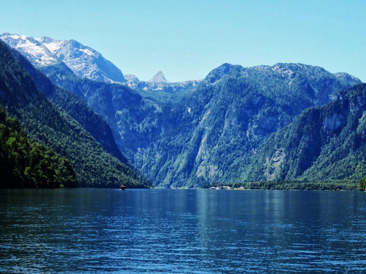 Auf dem Königssee: Mittig zu sehen die Schönfeldspitze