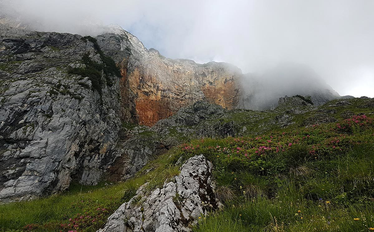 """Wolken über dem """"magischen"""" Untersberg"""
