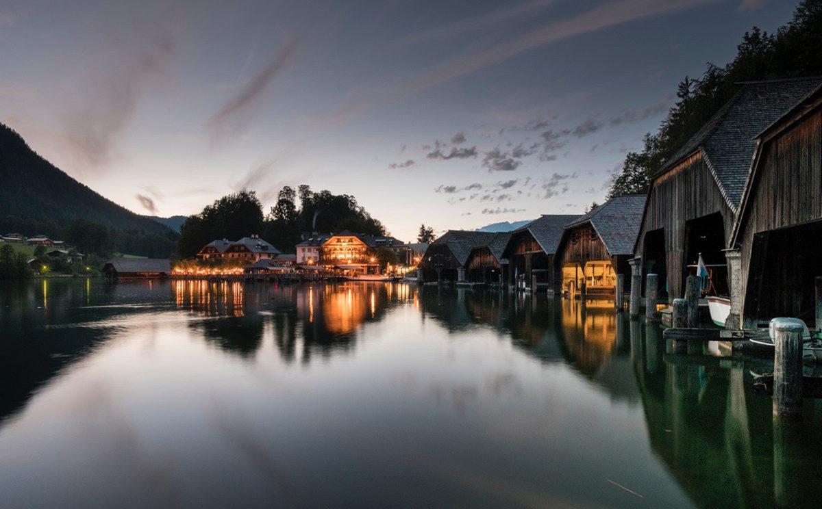 Abendruhe an den Bootsgaragen am Königssee