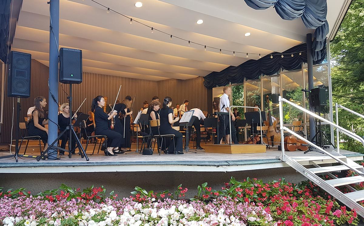 Musiker der Bad Reichenhaller Philharmonie sorgen für den festlichen Rahmen
