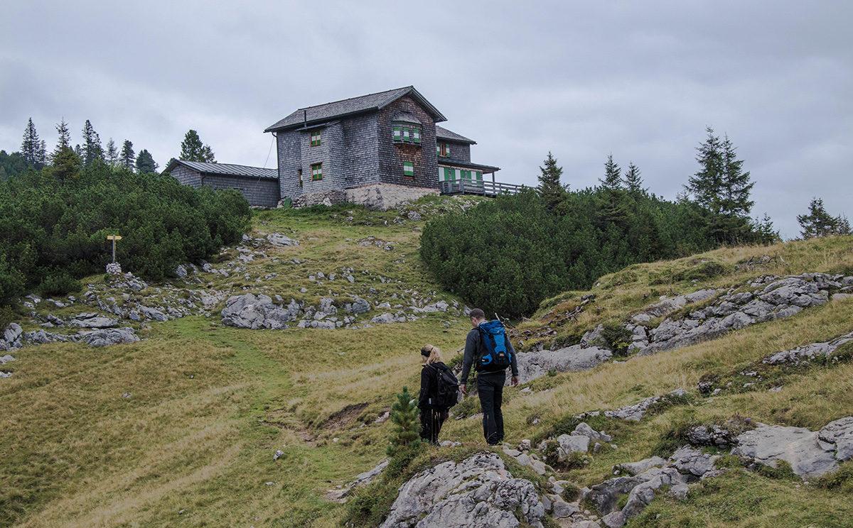 Vorbei an der Alten Traunsteiner Hütte