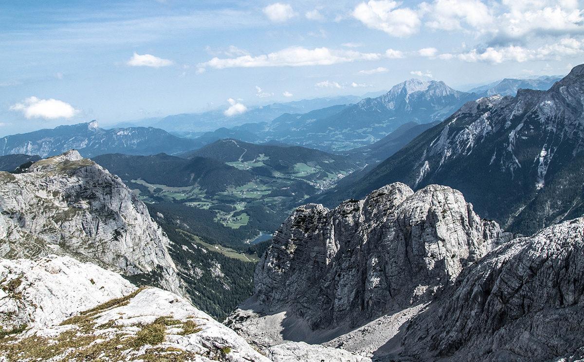 Blick zum Hintersee und Halsalm im Aufstieg zum Stadelhorn