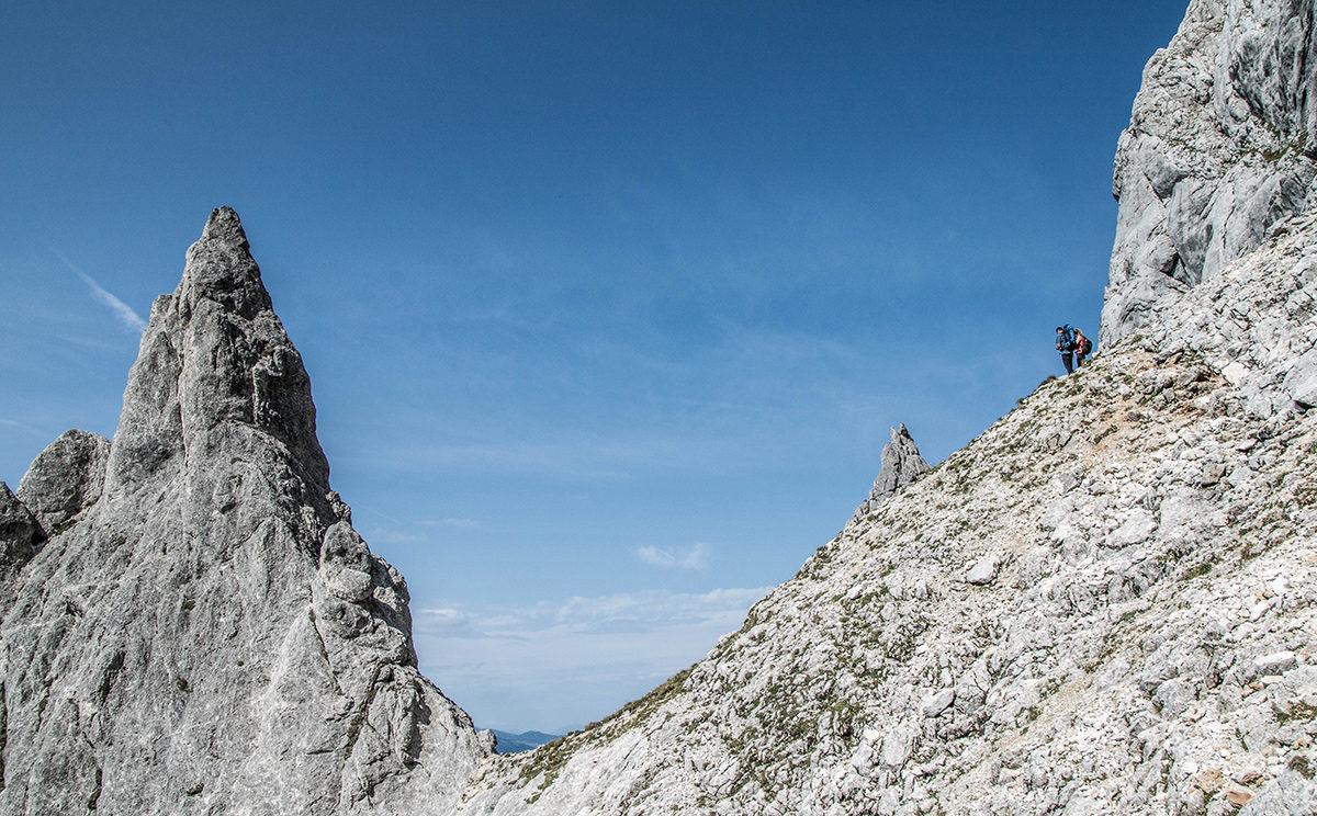 Beeindruckende Felsformationen unterhalb der Mayrbergscharte