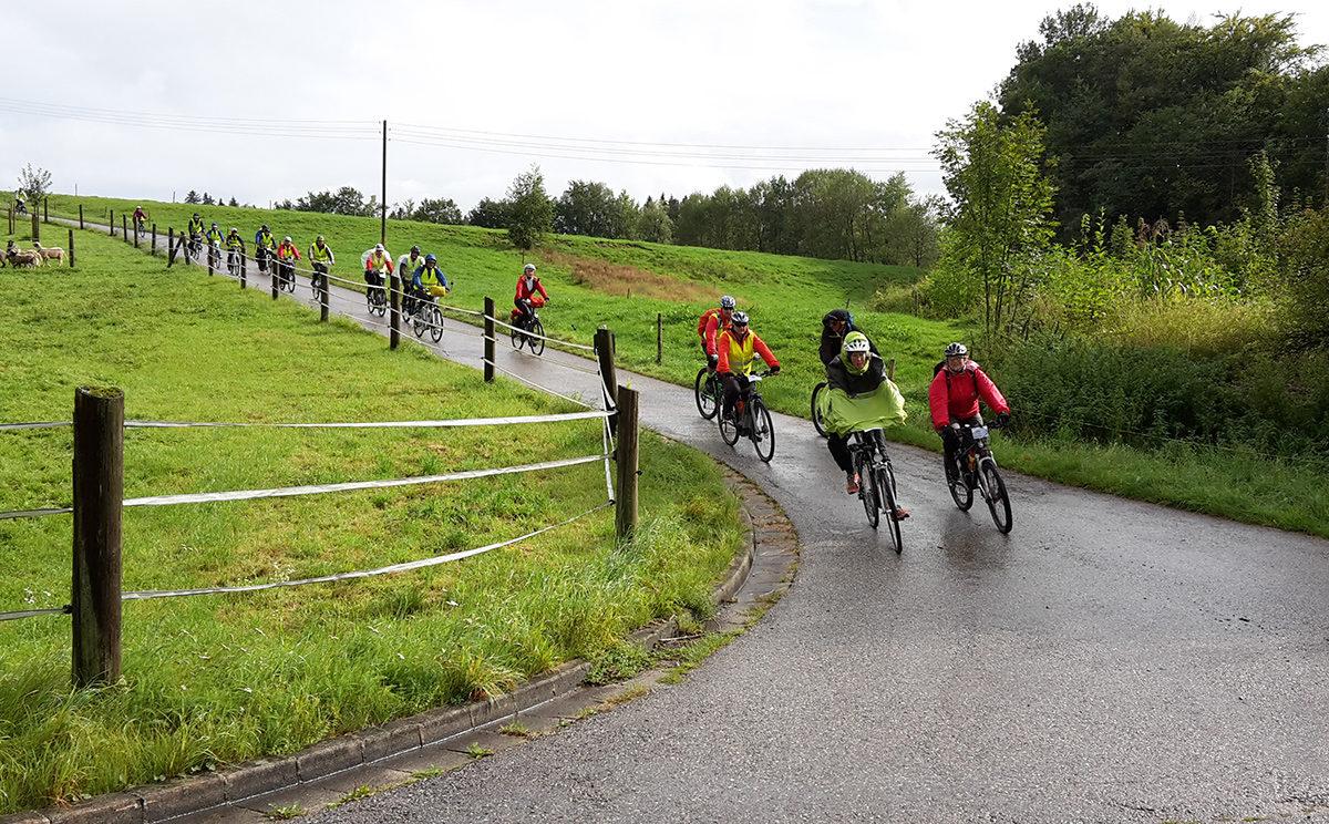 Euregio Genuss Radtour 2017: Radfahrer trotzen dem Regen