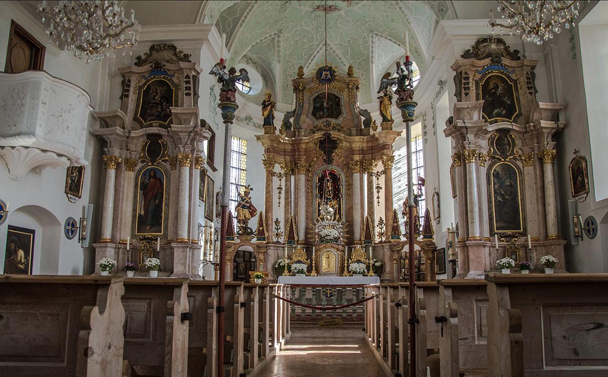 Der barocke Innenraum der Kirche Ettenberg