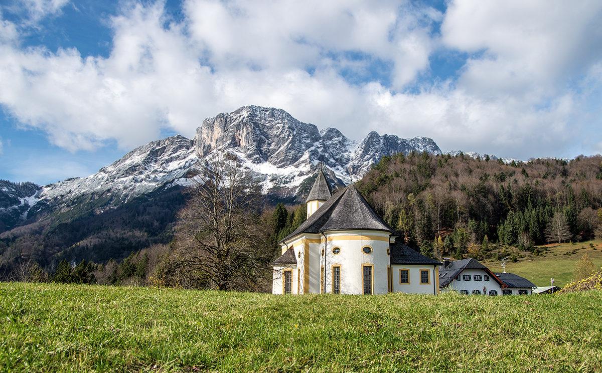 Wallfahrtskirche Maria Heimsuchung, Mesnerwirt und Untersberg