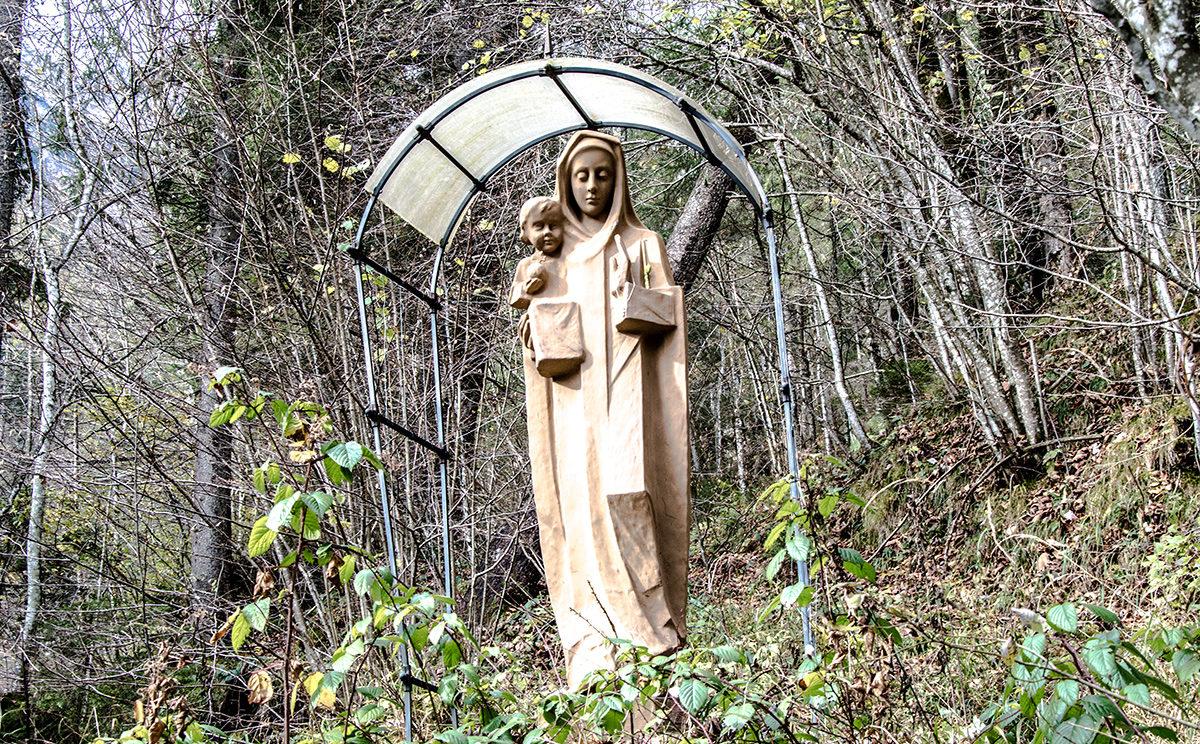 Die Madonna in der Almbachklamm