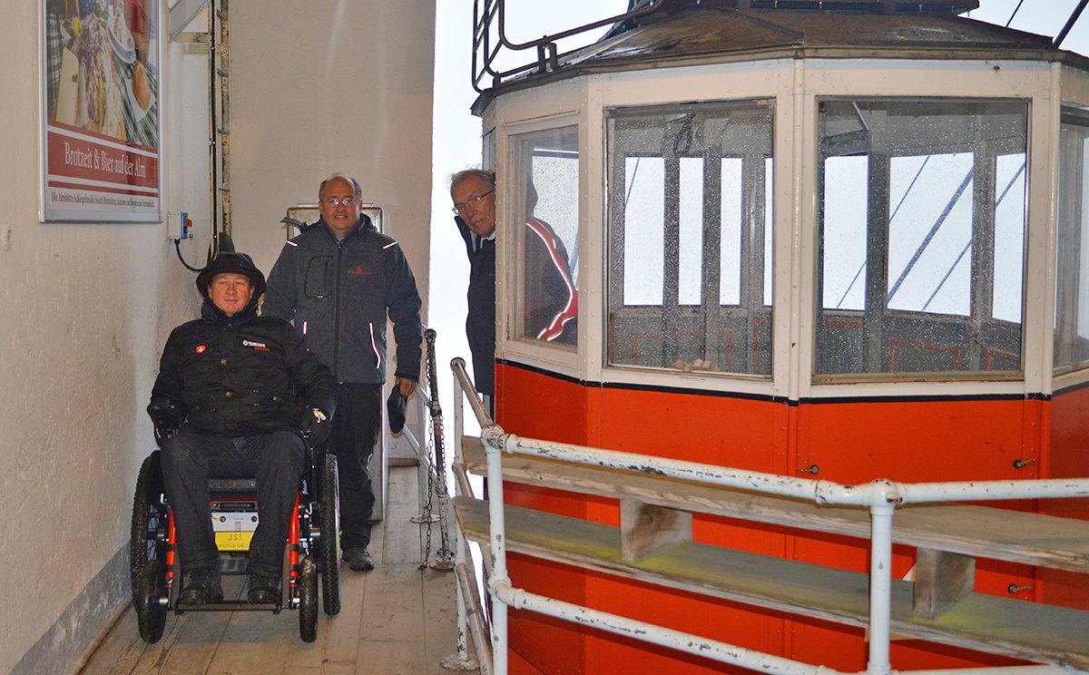 Ein Rollstuhl für den Predigtstuhl
