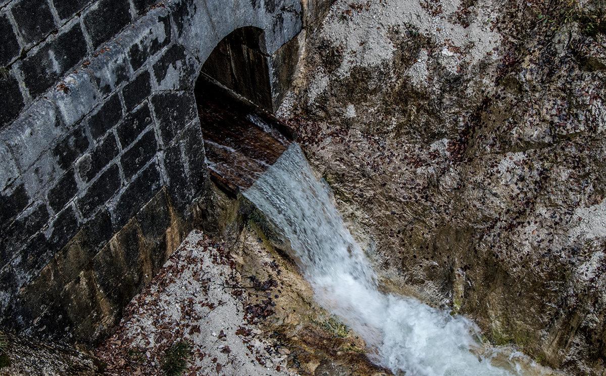 Der Wasserdurchlass in der Theresienklause