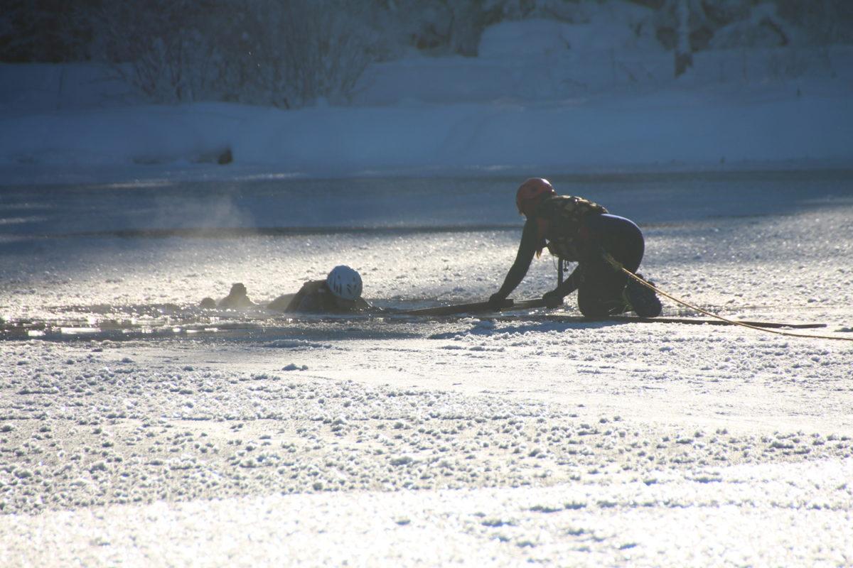 Eiseinbruch am Hintersee © BRK BGL