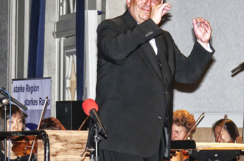 Christian Simonis mit den Bad Reichenhaller Philharmonikern