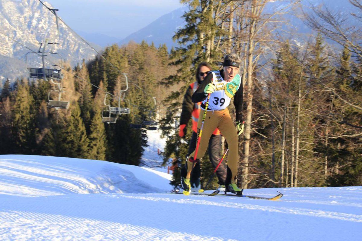 """Die letzten Meter zum Ziel: Beim internationalen Ranger-Treffen """"Memorial Danilo Re 2018"""" lief Berchtesgadens Nationalpark-Ranger Wolfgang Palzer im Skibergsteigen auf Platz zwei."""
