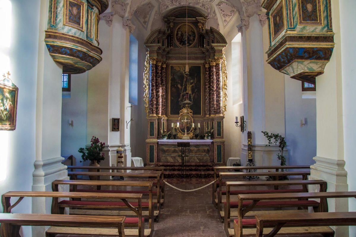 Der Innenraum der Wallfahrtskirche St. Bartholomä
