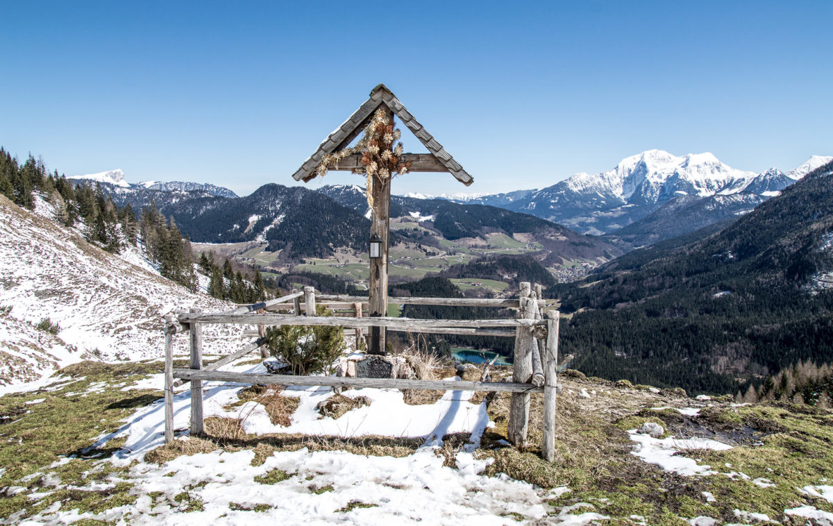 Winter am Berg, Frühling im Tal