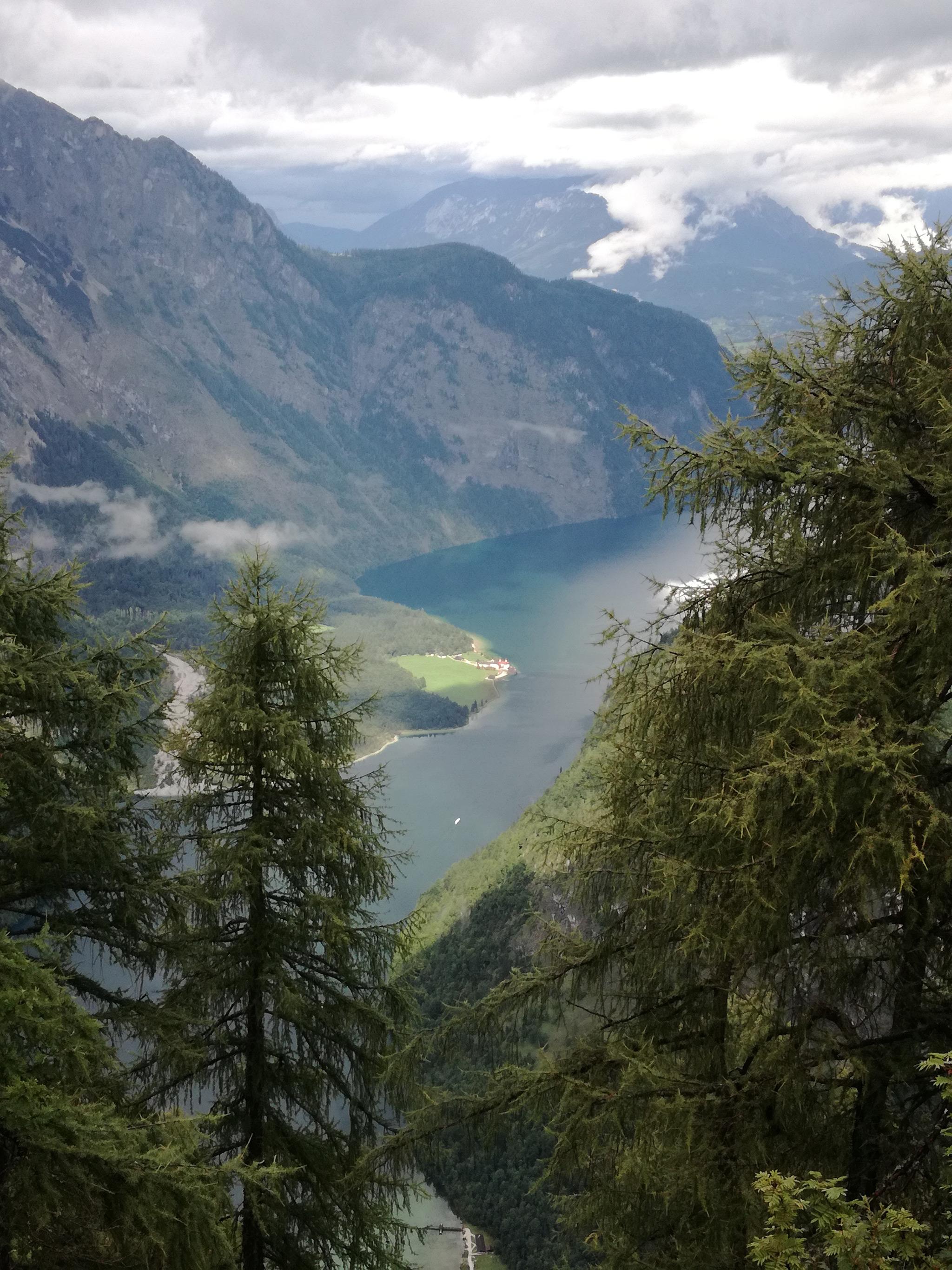 Blick hinab zum Königssee © Guthknecht