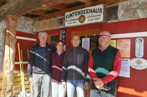 Die alten und die neuen Hüttenwirte vom Kärlingerhaus