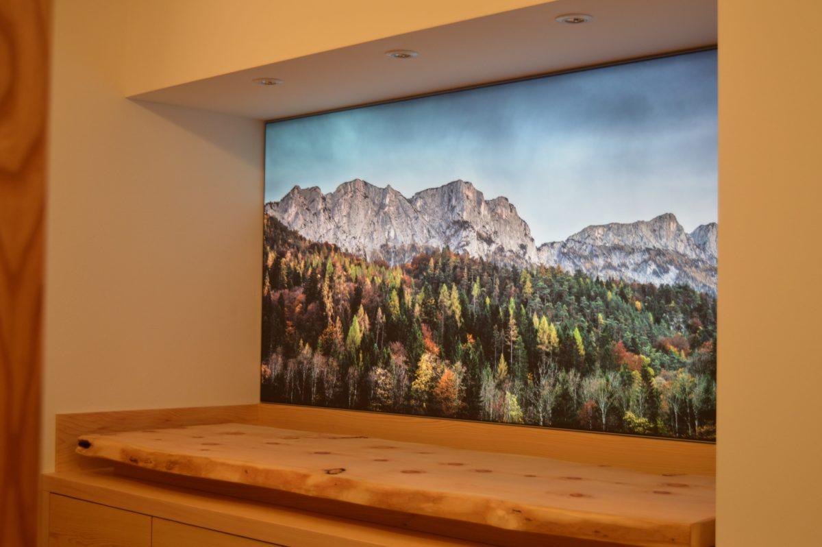 Edles Holz und natürliche Beleuchtung. Die Wildbretboutique Berchtesgaden