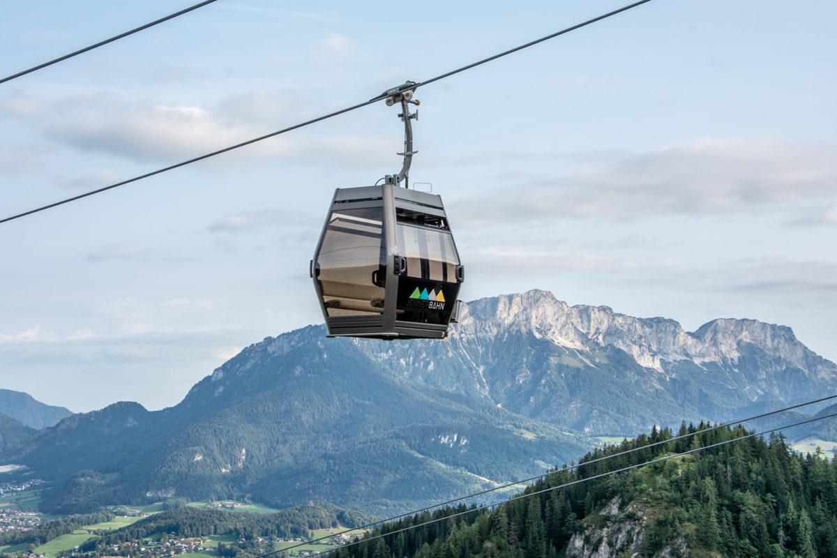 Gondel der Jennerbahn vor Untersberg