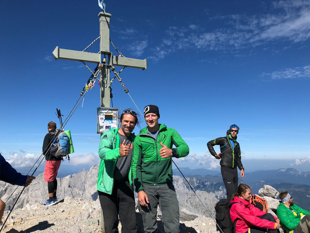 Gipfelfoto mit Alexander Huber auf der Südspitze