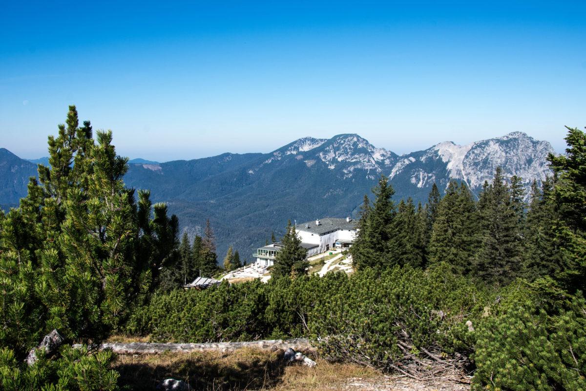 Blick vom Predigtstuhl zur Bergstation, im Hintergrund Zwiesel und Hochstaufen