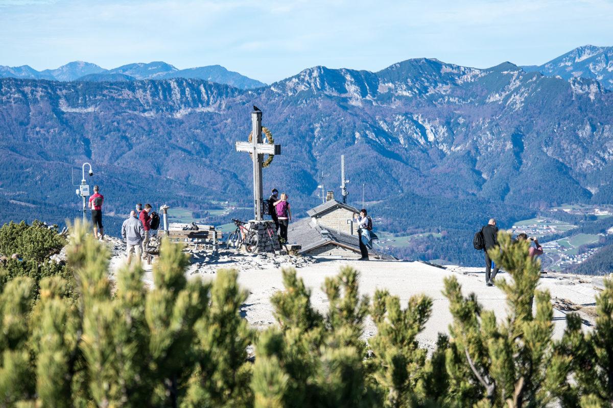 Wanderer am Kehlstein Gipfel