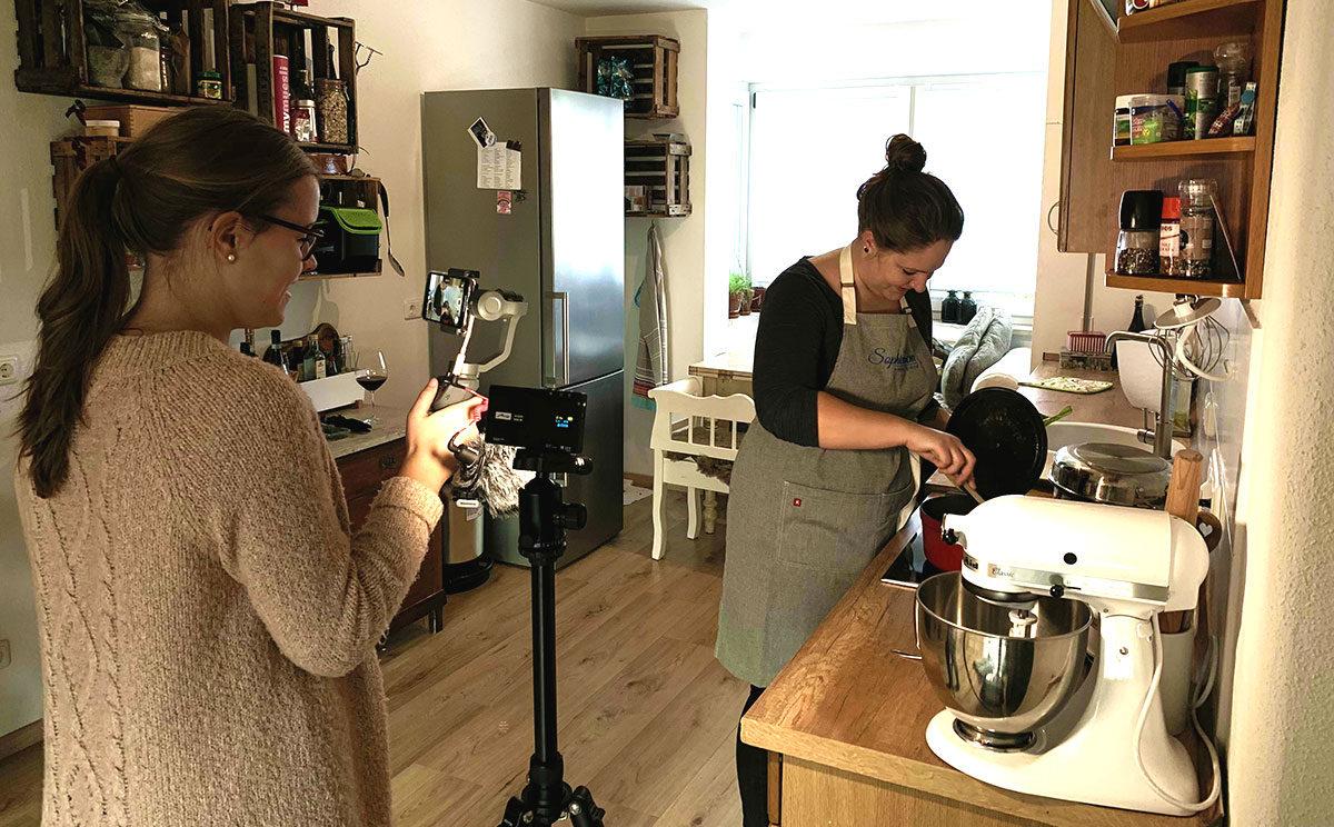 Franziska Kleinert steht hinter der Kamera wenn Sophie kocht