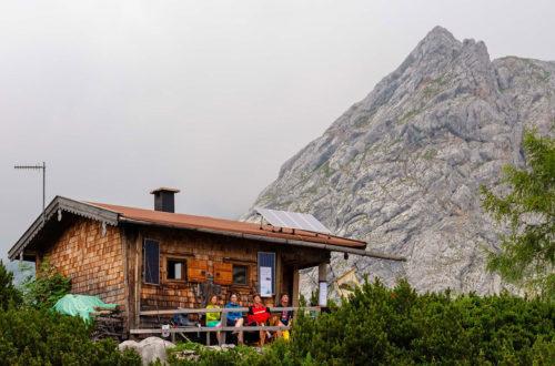Dei Seeleinsee-Diensthütte © BRK BGL